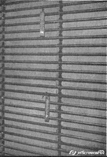 Wnętrze szafy pamięci XYZ, widok na rury rtęciowe