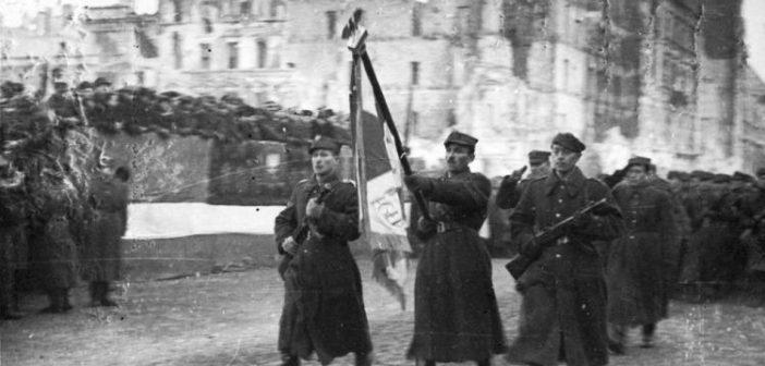 75 lat temu do zrujnowanej Warszawy wkroczyli żołnierze 1 Armii WP
